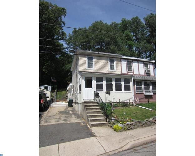 568 BLOOMFIELD AVE, Drexel Hill, PA 19026