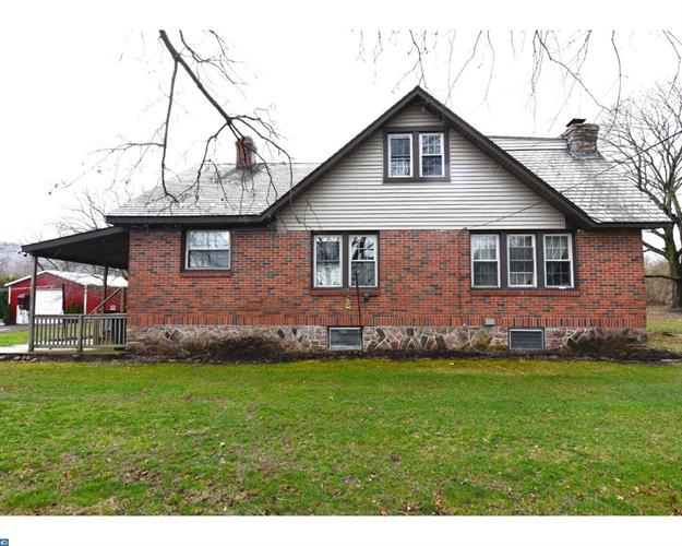 284 SUMMER VALLEY RD, Orwigsburg, PA 17961