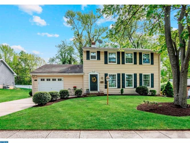 534 S BRENTWOOD DR, Mount Laurel, NJ 08054