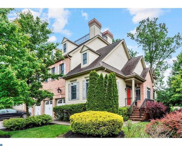 6 COLLINS MILL CT, Moorestown, NJ 08057