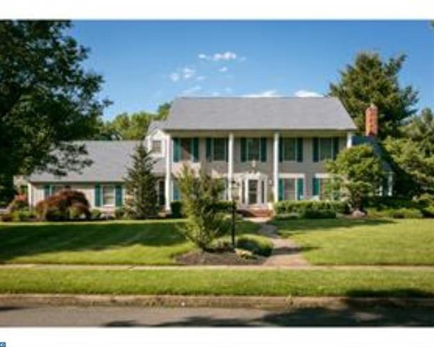 815 FERNWOOD RD, Moorestown, NJ 08057