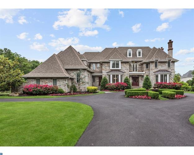 712 RIVERTON RD, Moorestown, NJ 08057