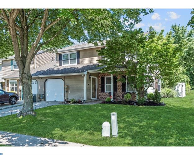 148 STRATTON LN, Mount Laurel, NJ 08054
