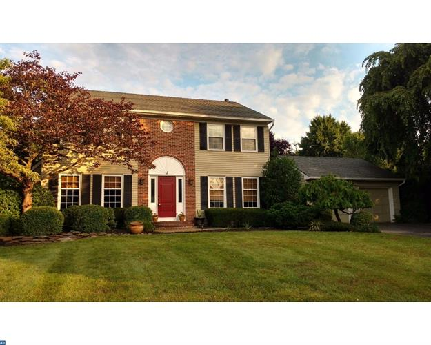5 VALERIE LN, Lawrence, NJ 08648