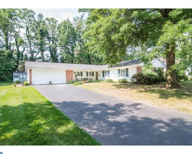 29 EAGLE LN, Willingboro, NJ 08046