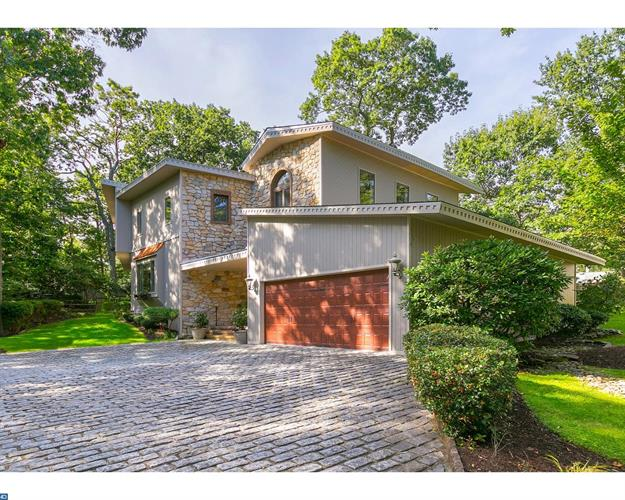 7 LAKESIDE AVE, Voorhees, NJ 08043