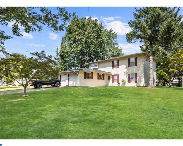 6 CAMBRIDGE CT, Mount Holly, NJ 08060