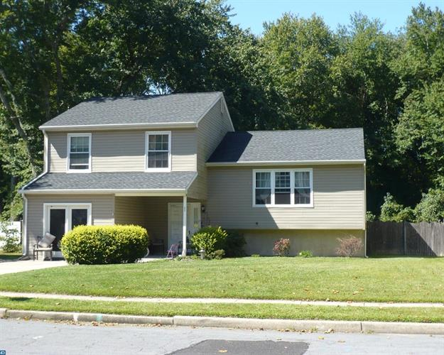 37 EDINBURGH RD, Blackwood, NJ 08012