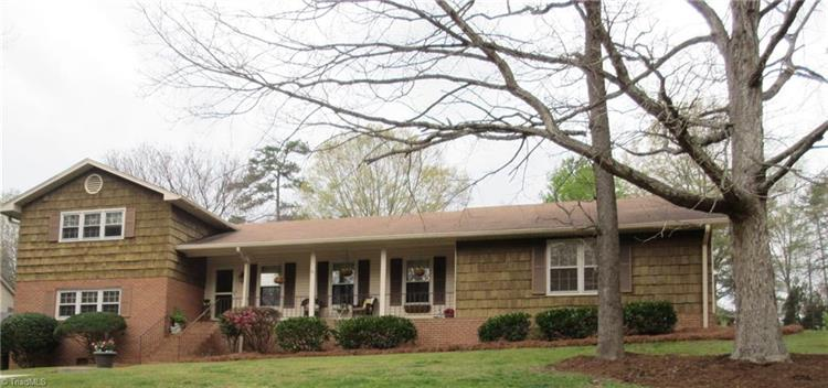 1229 Wales Court, High Point, NC 27262
