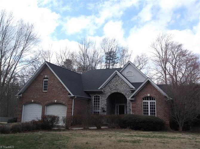 200 Twin Lakes Drive, Reidsville, NC 27320 - Image 1
