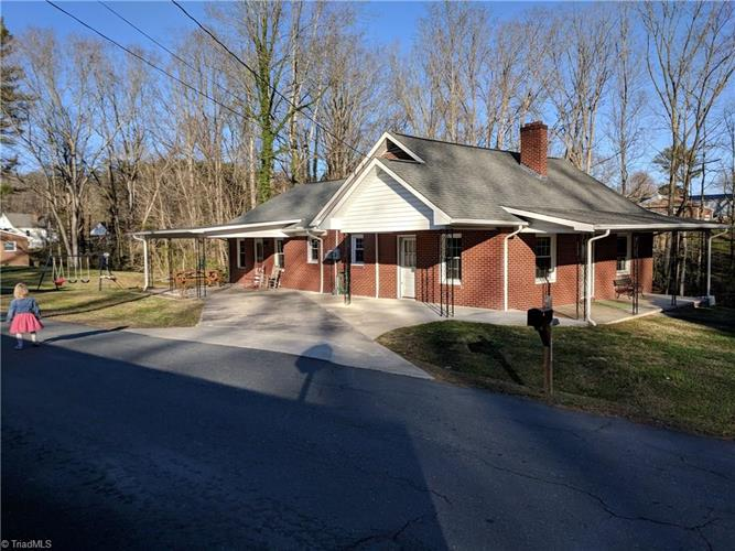 237 Byerly Street, Mount Airy, NC 27030
