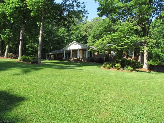 314 Holly Ridge Drive, King, NC 27021