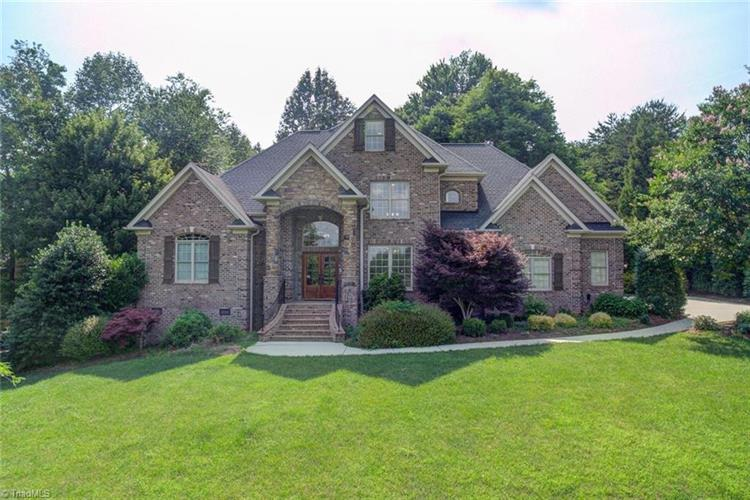 7569 Haw Meadows Drive, Kernersville, NC 27284