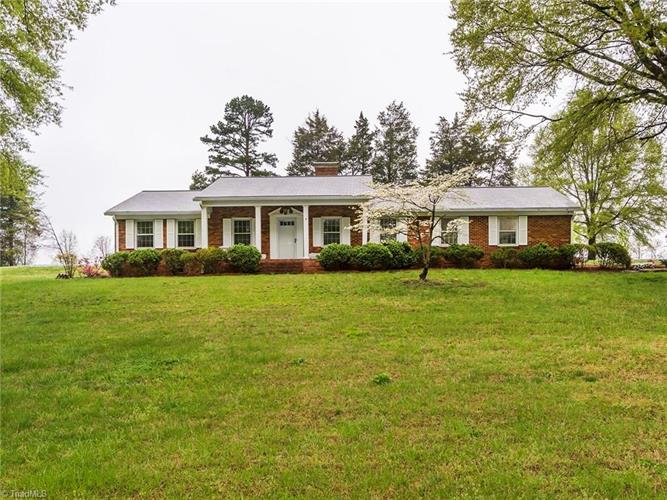 2206 and 2208 Meadowlark Road, High Point, NC 27265 - Image 1