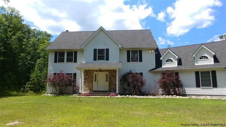 341 Walker Valley Road Pine Bush NY 12566 Weichert.com ...
