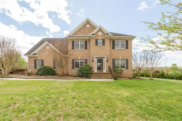 1091 Gilfield Dr, Forest, VA 24551