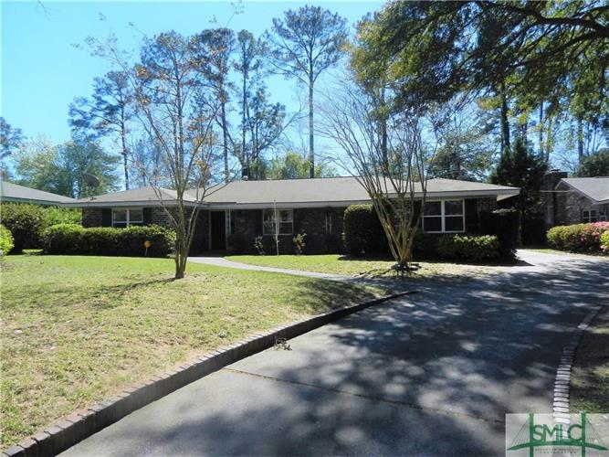 1939 Colonial Drive, Savannah, GA 31406