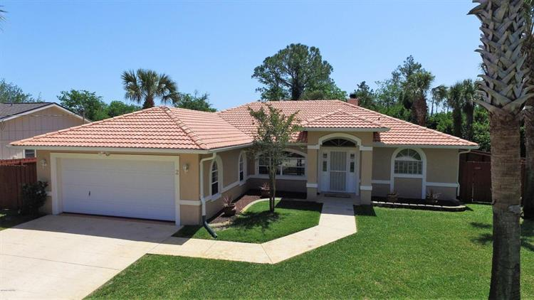 2 Clee Court, Palm Coast, FL 32137