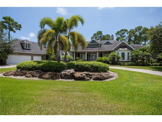 1100 Carolina Circle SW, Vero Beach, FL 32962