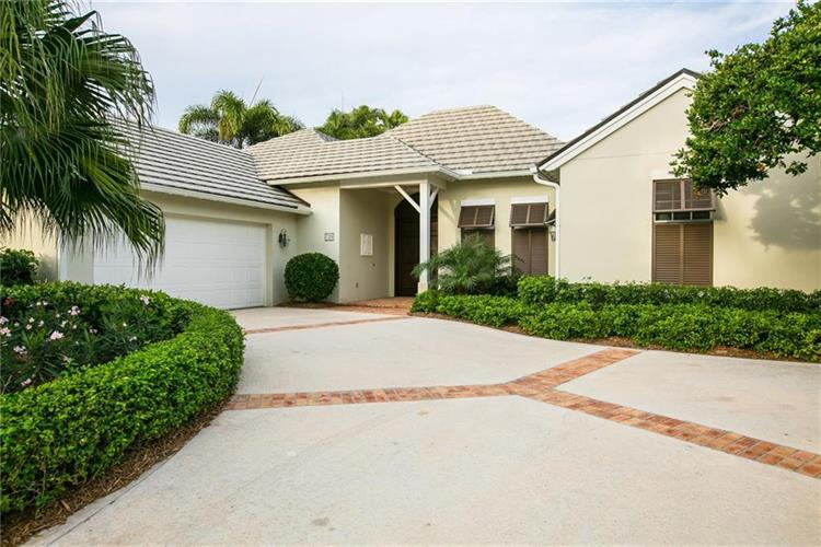 720 Grove Place, Vero Beach, FL 32963