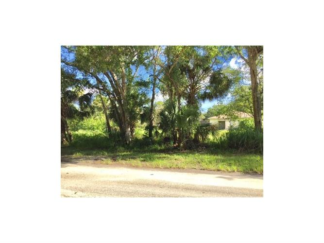 6016 7th Place, Vero Beach, FL 32968