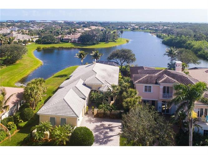 1312 Lake Bend Court, Vero Beach, FL 32963