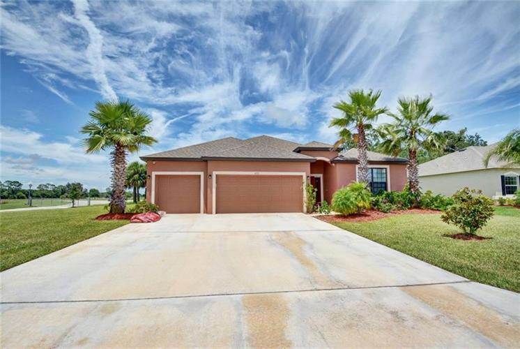 4555 Ashley Lakes Circle, Vero Beach, FL 32967