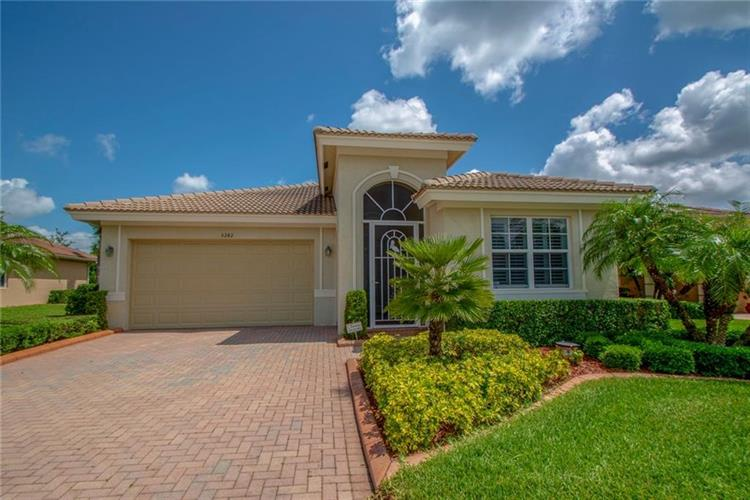 3242 Sussex Way, Vero Beach, FL 32966