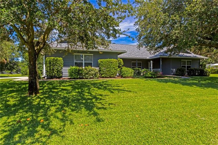 430 38th Square SW, Vero Beach, FL 32968