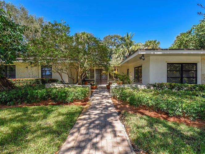 835 Iris Lane, Vero Beach, FL 32963