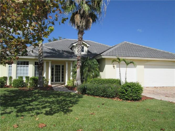 5927 Brae Burn Circle, Vero Beach, FL 32967