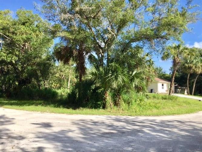 6006 7th Place, Vero Beach, FL 32968