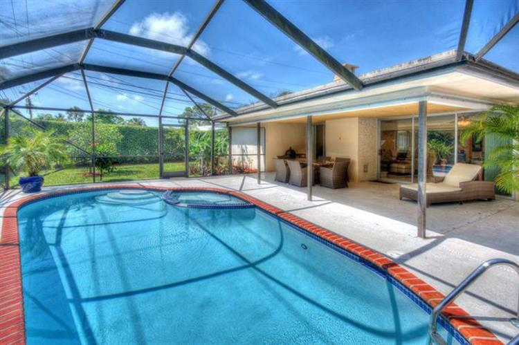 1300 SW 9th Terrace, Boca Raton, FL 33486