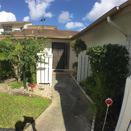 6104 Newstead Court, Lake Worth, FL 33463