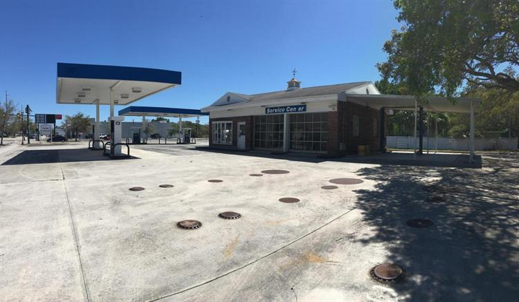 701 Delaware Avenue, Fort Pierce, FL 34950