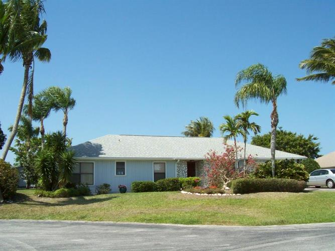 8009 SE Orchard Terrace, Hobe Sound, FL 33455