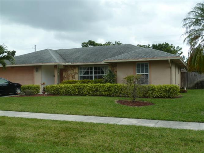 315 Las Palmas Street, West Palm Beach, FL 33411