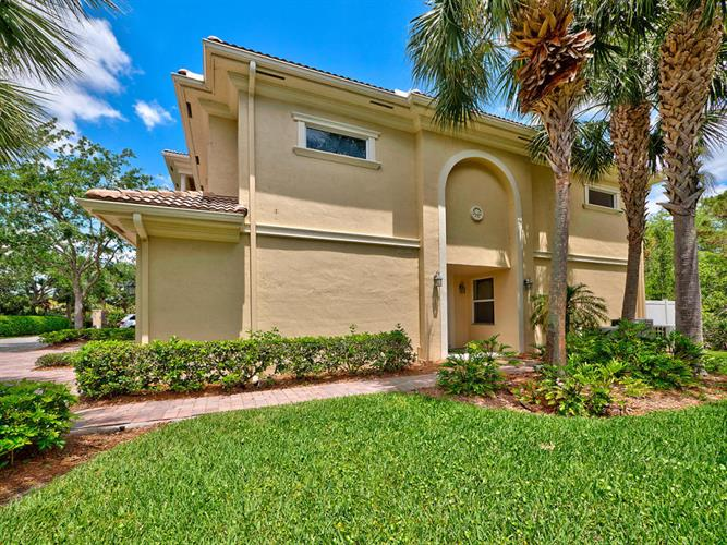 12535 SE Old Cypress Drive, Hobe Sound, FL 33455