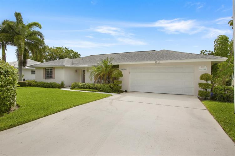 9532 SE Little Club S Way, Tequesta, FL 33469