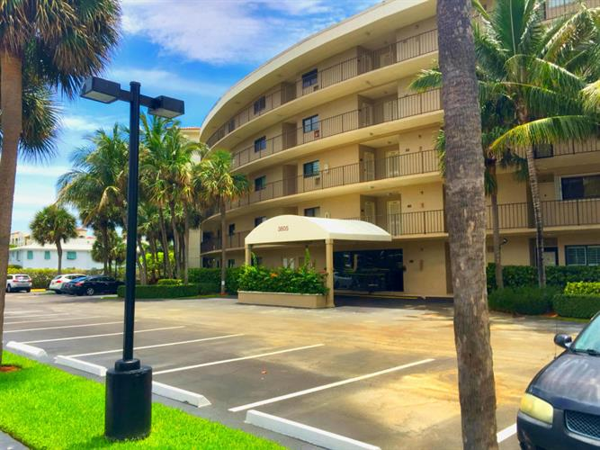 3605 S Ocean Boulevard, South Palm Beach, FL 33480