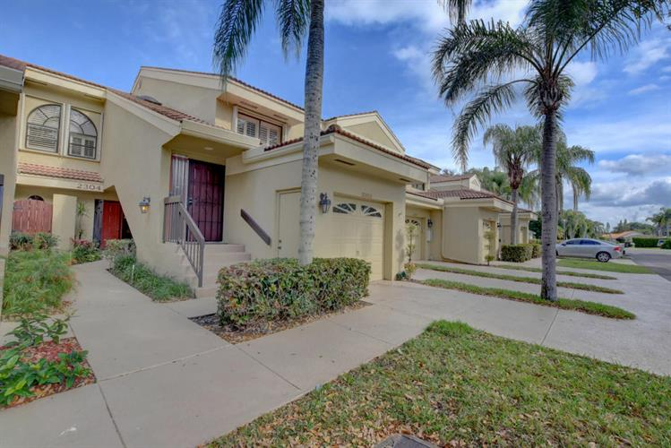2304 Aspen Way, Boynton Beach, FL 33436