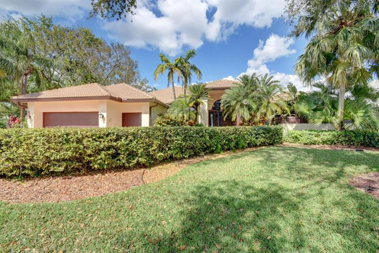 10313 Shireoaks Lane, Boca Raton, FL 33498