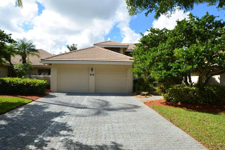 20087 Waters Edge Drive, Boca Raton, FL 33434