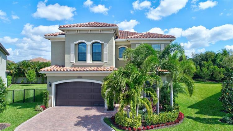 16938 Bridge Crossing Circle, Delray Beach, FL 33446