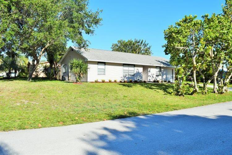 2177 NE 18th Avenue, Jensen Beach, FL 34957