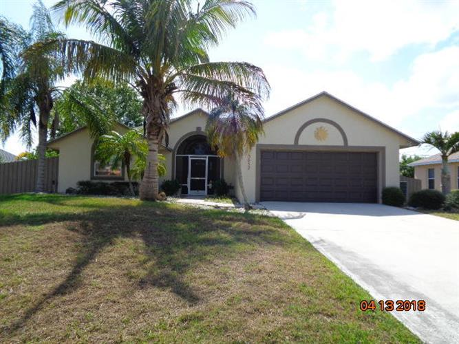 3052 SE Wake Road, Port Saint Lucie, FL 34984
