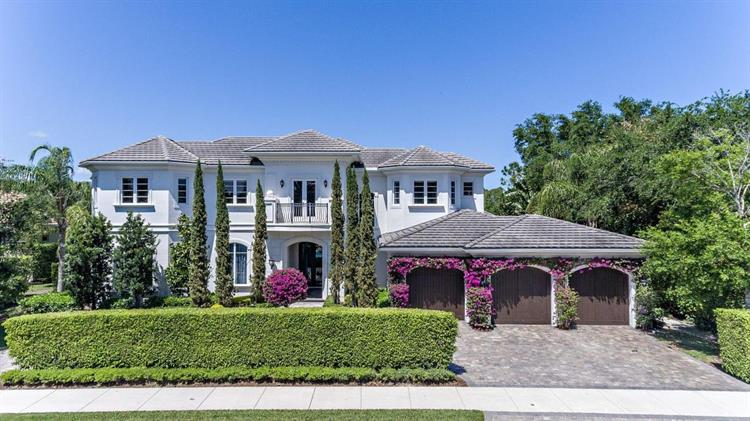 101 Via Palacio, Palm Beach Gardens, FL 33418