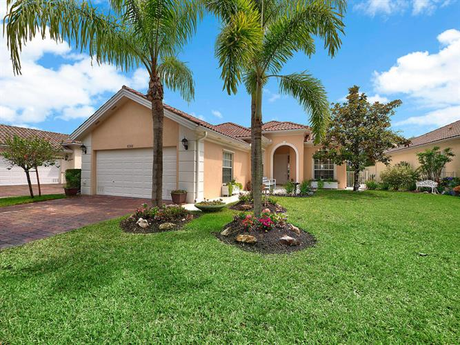 8368 Rosalie Lane, Wellington, FL 33414
