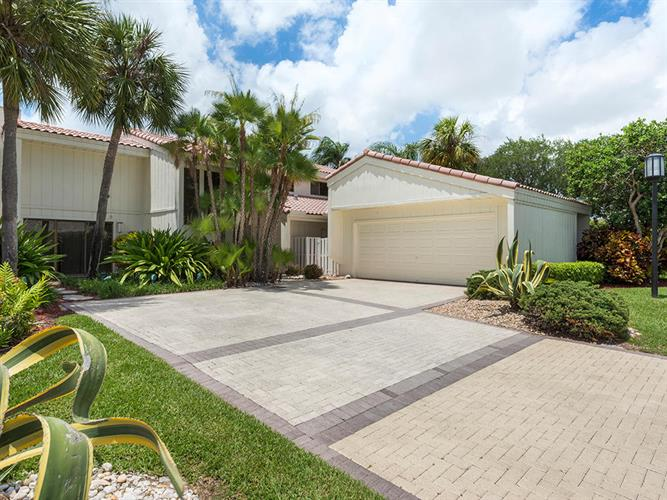 7716 Cedarwood Circle, Boca Raton, FL 33434