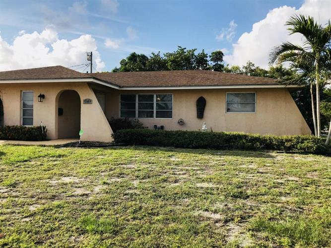 2014 S 7th S Court, Lake Worth, FL 33461